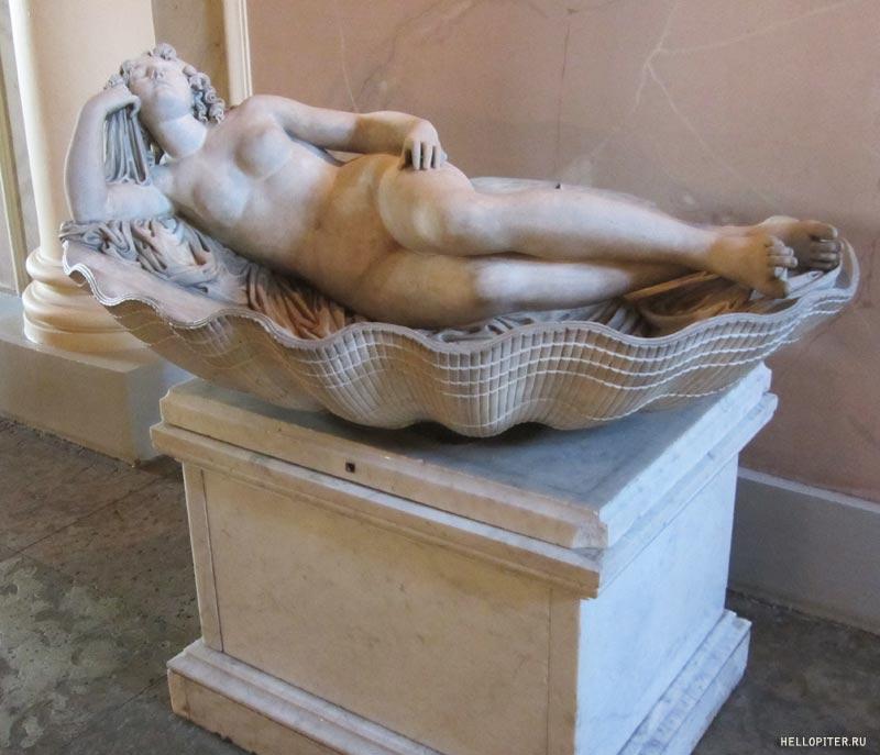 Меншиковский дворец.Венера в раковине.Гийом Кусту.1712 год.