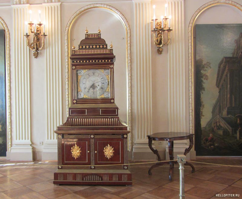 Меншиковский дворец.Большой зал.