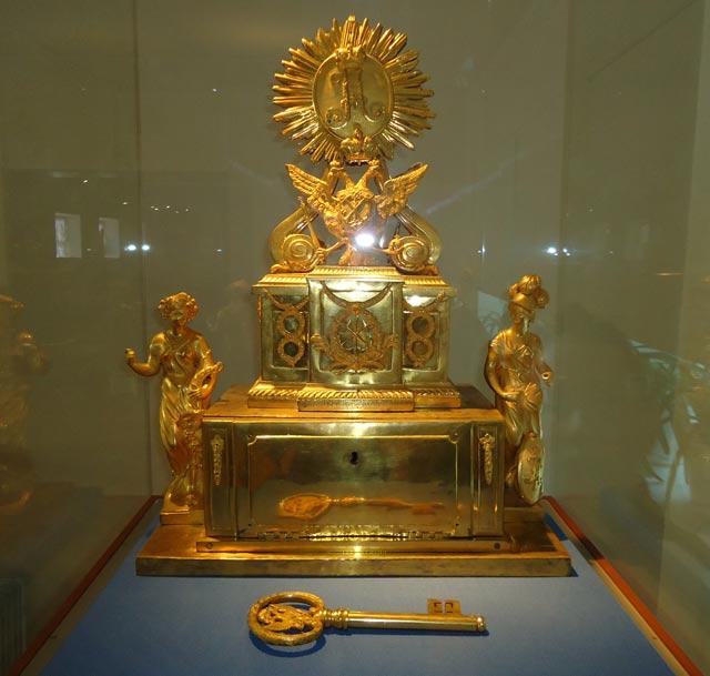 Ларец с символическим ключом от Санкт-Петербурга.1770 г.