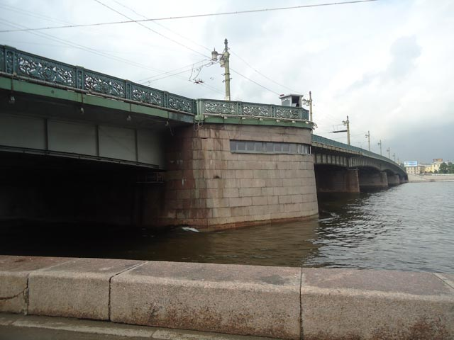 Мост Петра Великого в СанктПетербурге фото расположения