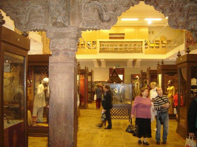 Музей антропологии и этнографии им Петра Великого
