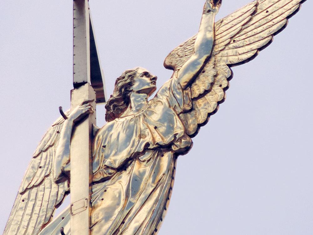 фото ангел петропавловского собора